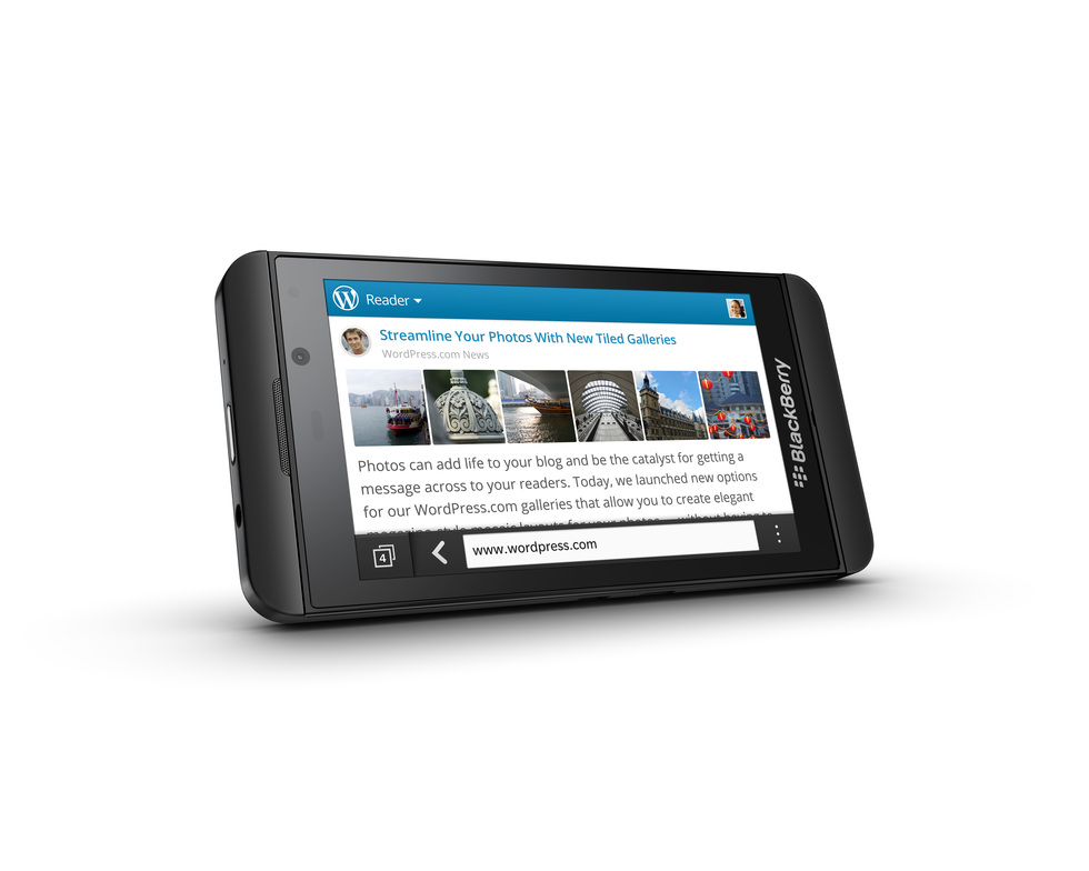 BlackBerry Z10 negro en horizontal
