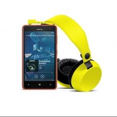 Nokia Lumia 625 y auriculares