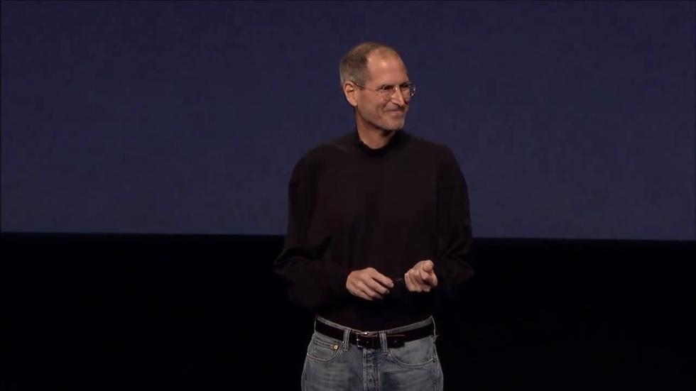 Steve Jobs reaparece para presentar el iPad 2