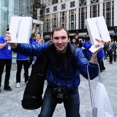 Alex Shumilov, el primero en tener un iPad 2