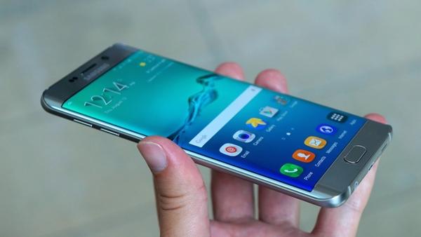 Galaxy s6 edge+.