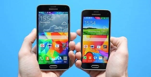 Galaxy S5 vs. Galaxy S5 Mini.