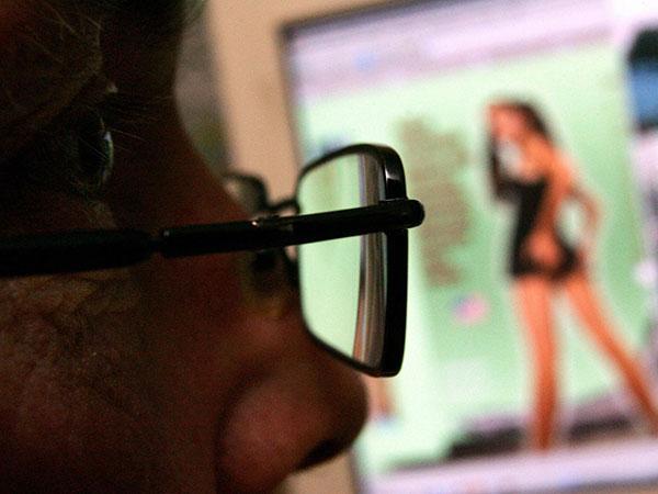Rusia pide a sus ciudadanos que tengan relaciones de verdad y bloquea el porno en internet