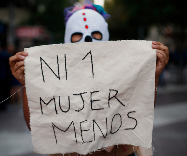 #NiUnaMenos, hashtag internacional