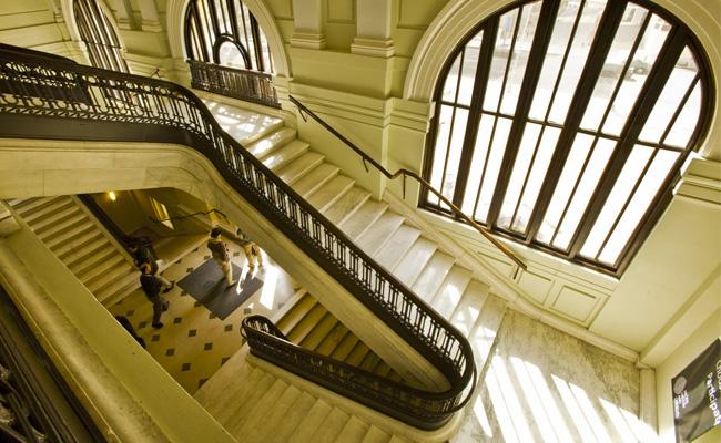 Interior de la biblioteca Carnegie Library