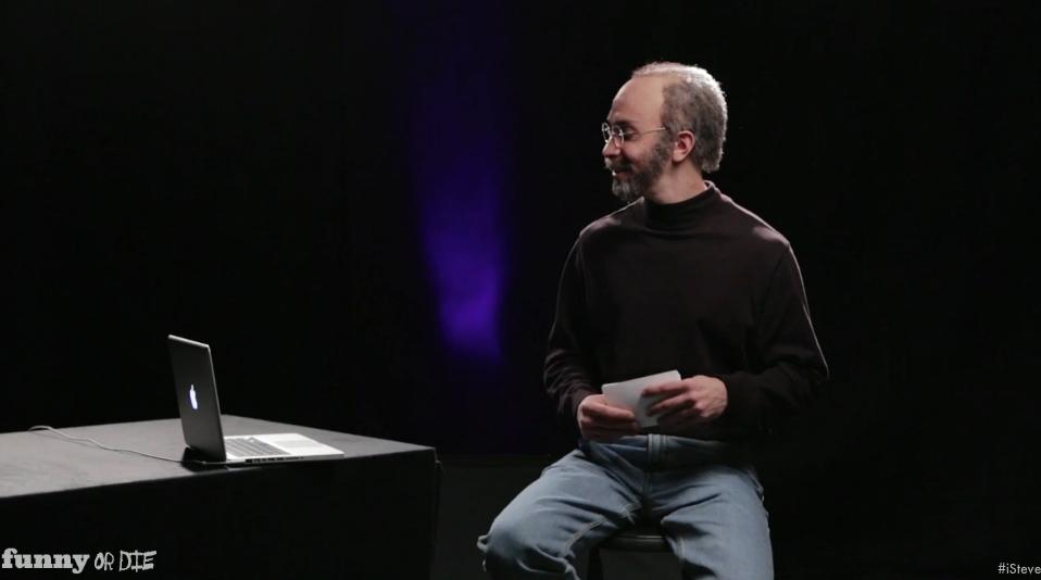 Captura del vídeo donde Justin Long interpreta al creador de Apple