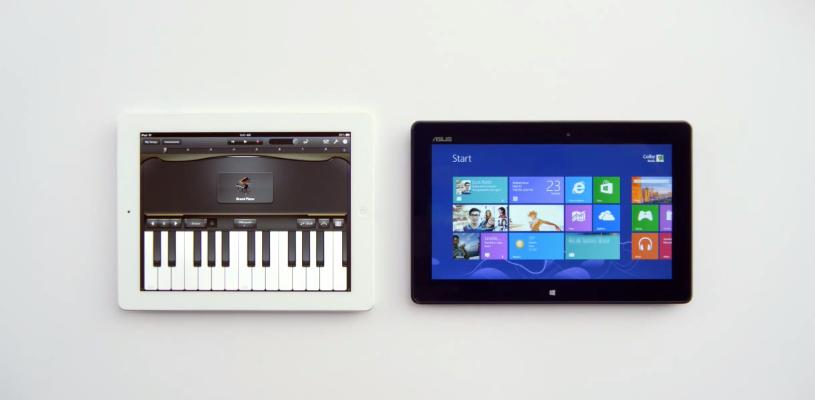 Captura de dos entornos contrapuestos en el anuncio: iOS 6 y Windows 8