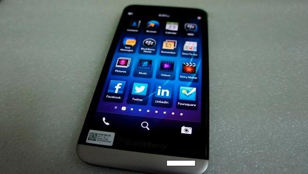 Imagen filtrada. Parte frontal de la BlackBerry A10