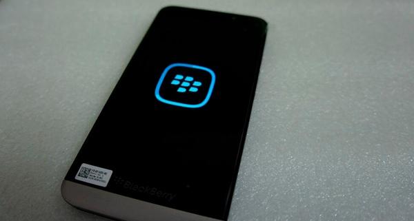Segunda imagen filtrada. Parte trasera de la BlackBerry A10