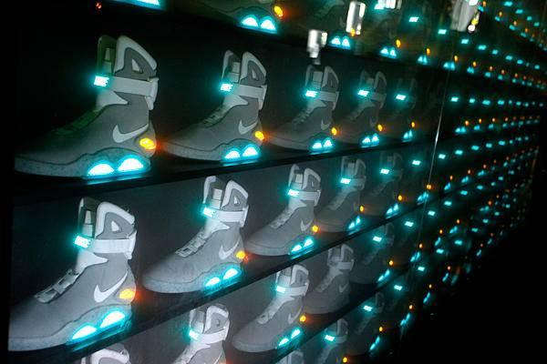 En 2011 se lanzaron varias copias de las zapatilllas