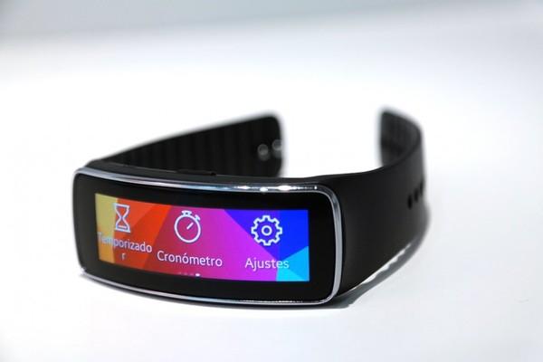 El Samsung Gear Fit costará 199 euros