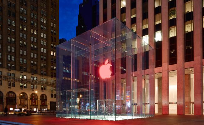 La manzana se pone roja de solidaridad