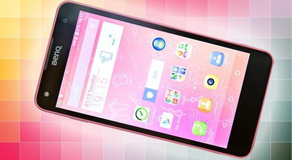 Su apariencia exterior es bastante semejante al iPhone 5C.