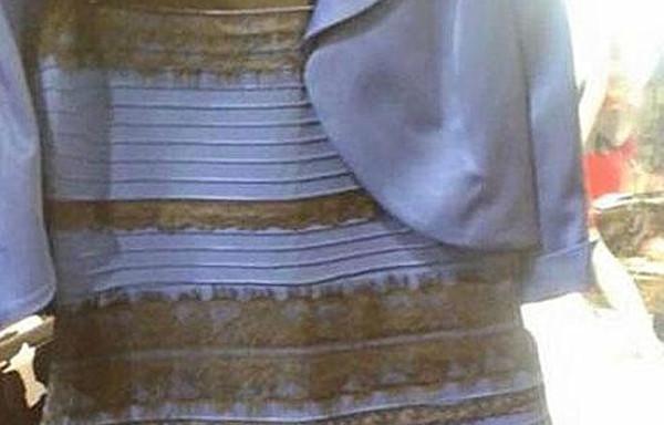 ¿Blanco o azul?