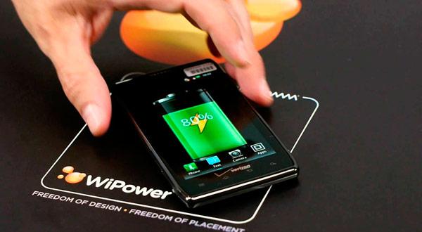WiPower permitirá cargar de manera inalámbrica los terminales con acabado metálico
