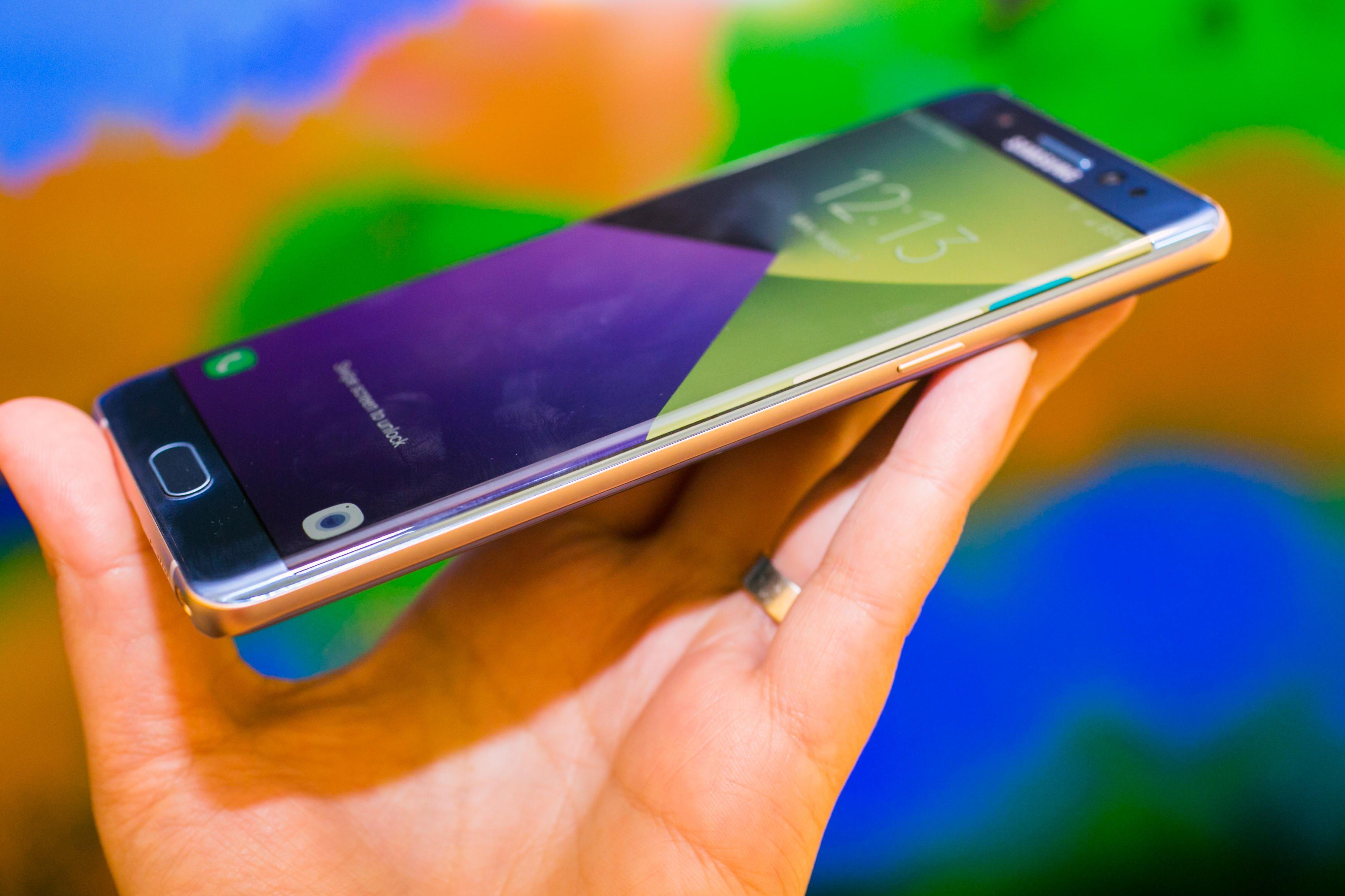 ¿Tendrá el S8 pantalla curva?