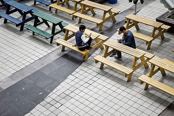 Trabajadores en su lugar de almuerzo