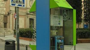 La CNMC le da la puntilla a las cabinas telefónicas
