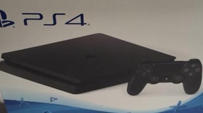 PS4 Slim - Aluvión de detalles y vídeo de la consola en vivo