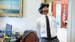 Barack Obama utilizando un casco de realidad virtual es lo mejor que verás hoy