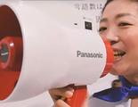 Panasonic muestra un megáfono que traducirá intrucciones a varios idiomas