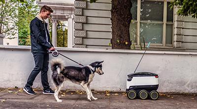 Just Eat empieza a enviar comida con robots autónomos