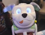 Hasbro crea un nuevo robot perro que enseña código