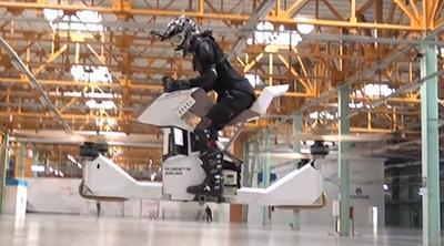 Así es la primera moto voladora, pero no da mucha seguridad
