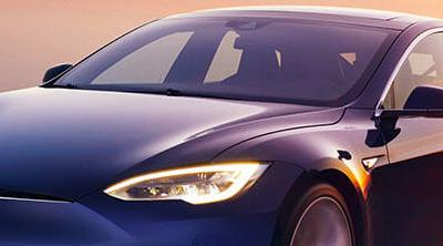 Un Tesla consigue recorrer 900 kilómetros con una sola carga