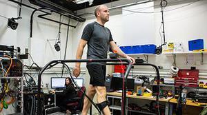 Un algoritmo personaliza los exoesqueletos para adecuarlos a cada usuario
