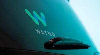 Waymo patenta un coche blando que protege a los peatones