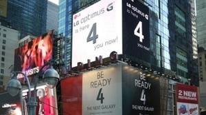 LG 'trolea' a Samsung en medio de Times Square