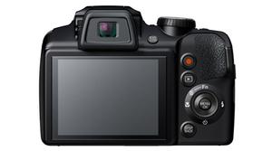 Fujifilm FinePix S8400W, una cámara bridge que destaca por el zoom y su conectividad Wi-Fi