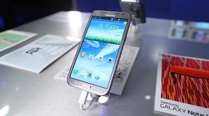 Samsung quiere cambiar el material de sus dispositivos en el Galaxy Note III