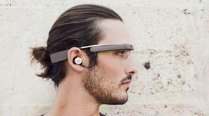 Google Glass reproducirá música a través de auriculares estéreo