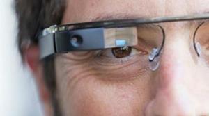 Interrogan a un hombre por entrar al cine con Google Glass