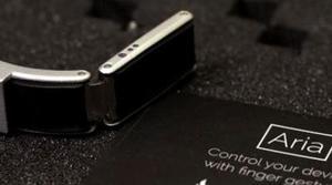 Aria te permitirá controlar tu Smartwatch sin tocarlo con las manos