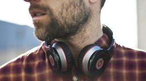 El precio de los auriculares Beats es diez veces superior a su coste