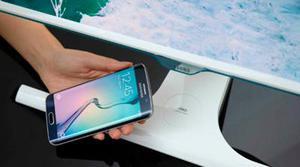Samsung incorpora la carga inalámbrica para móviles en sus nuevos monitores