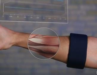 Así es Myo, el nuevo controlador con los músculos de tu brazo